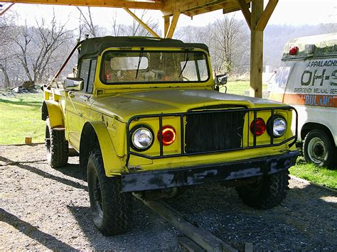 File Ee  Jeep Ee   Ex Military Wv Fire  Ee  Truck Ee   Yellow Ext Jpg