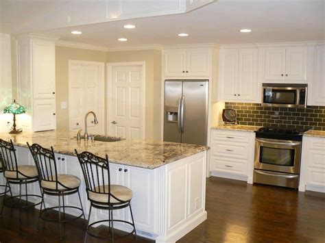black kitchen cabinets with floors white kitchen cabinets floors datenlabor info 9296