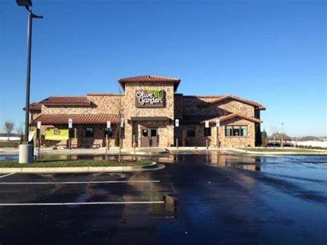 olive garden brings  jobs  prince georges county