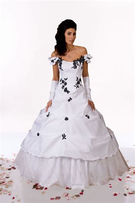 35 Black & White Wedding Dresses with Edgy Elegance