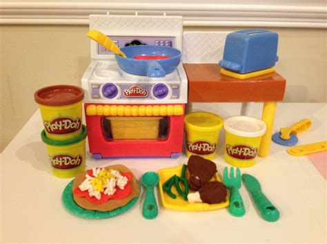 play doh cuisine play doh meal makin 39 kitchen how to play doh pizza tacos and burgers playset