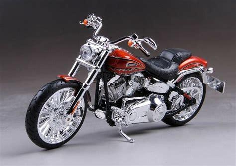 Harley Davidson Breakout Modification by Maisto 1 12 Harley Davidson Cvo Breakout Motorcycle Model