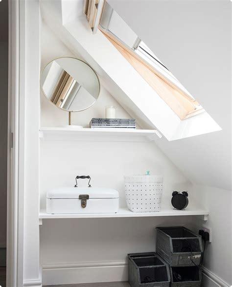 idee bureau petit espace aménagement placard sous pente en 24 idées pratiques