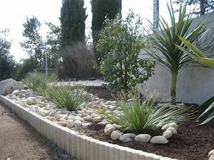 deco and design on pinterest With decorer son jardin avec des galets 2 comment faire une calade de galets pour un jardin