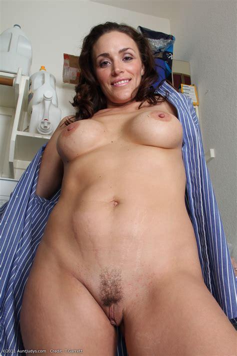 Moms Nudes Pics Image