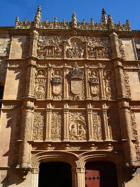 Las urnas confirmaron lo que los chilenos llevaban año y medio reclamando en las calles. Fachada de la Universidad de Salamanca   losmininos   Flickr
