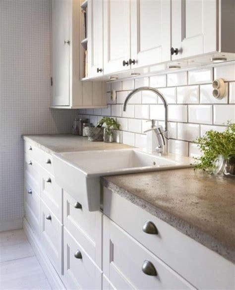 comment poser une cuisine poser une cr 233 dence 28 images credence a poser sur