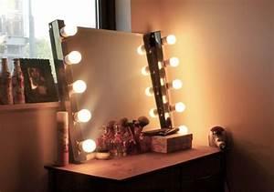 Schminktisch Mit Licht Spiegel : hollywood schminktisch zu hause 42 coole ideen ~ Bigdaddyawards.com Haus und Dekorationen