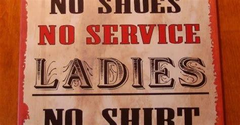 men ladies drink country western bar  west pub