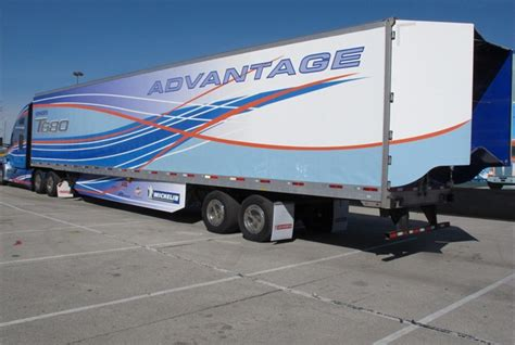 Boat Trailer Drag Wheels by Kenworth S Advantage Tractor Trailer Is A Working Concept