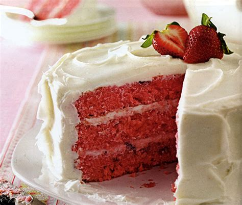 country kitchen strawberry pound cake strawberry cake carolina country 8457