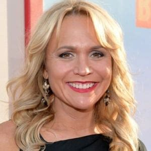 Barbara Alyn Woods Biography, Age, Height, Weight, Family ...