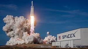 Falcon Heavy Could Launch Humans Beyond Earth Orbit — NOVA ...
