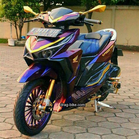 Modif Vario 150 Hitam by Modifikasi Vario 150 Hitam Cat Bunglon Motor Scooter