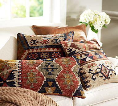 cuscini kilim best 25 kilim pillows ideas on colorful