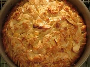 Sinnesfreuden: Apfelkuchen mit Mandelguss
