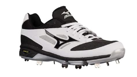 baseball cleats top   metal spikes  men