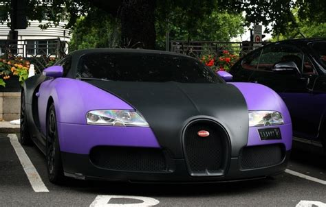 The new edition comes in two guises: Wallpaper trees, machine, lilac, street, sport, veyron ...