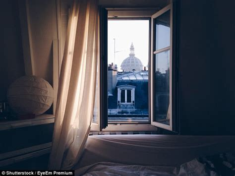 Bedroom Window Frozen Open by Open Window Will Help You Sleep By Stopping Co2 Build Up
