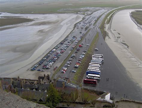 file mont st michel parking jpg wikimedia commons
