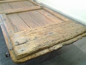 Table Basse Ancienne : 35 best images about mobilier d coration bois brut on ~ Dallasstarsshop.com Idées de Décoration
