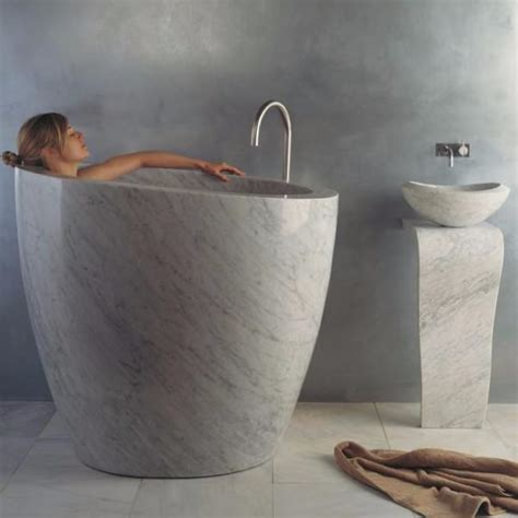 eau soaking tub stone forest