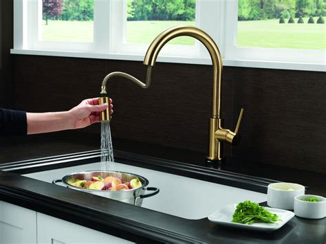delta faucets kitchen sink complete your kitchen with the delta kitchen faucets 6532