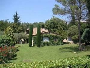 Villa, piscine privée, maison en pierre dans un parc paysagé, à Roquefort Les Pins, Alpes