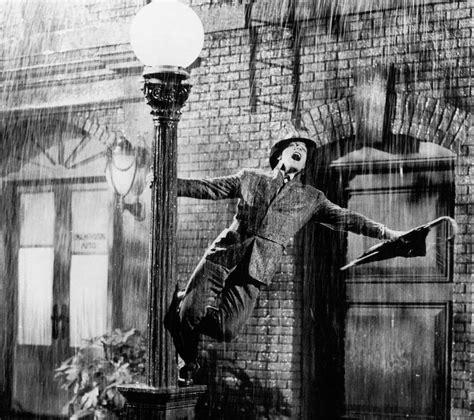 Risultato immagine per singing in the rain foto