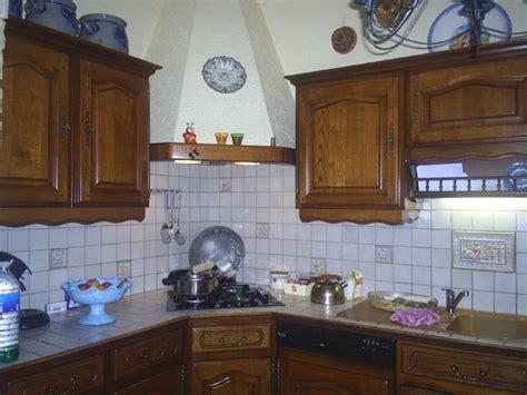 comment peindre meuble cuisine relooker cuisine en bois peindre les meubles de cuisine