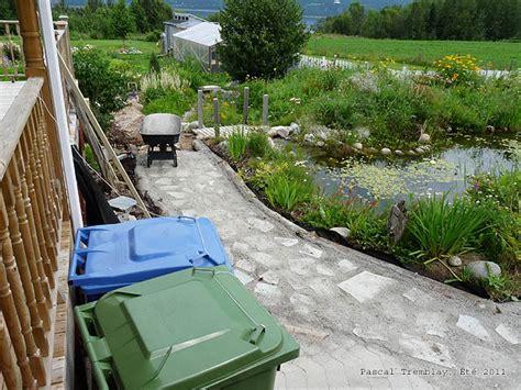 how to make a cheap garden path diy garden path and walkway idea build a cheap garden path with cheap material