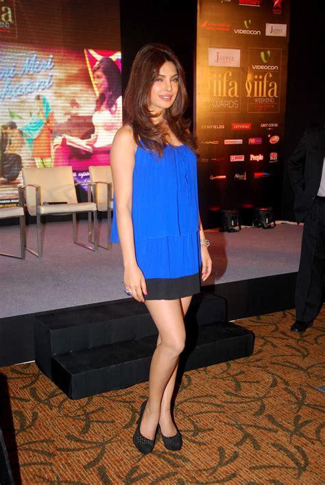 High Quality Bollywood Celebrity Pictures Priyanka Chopra