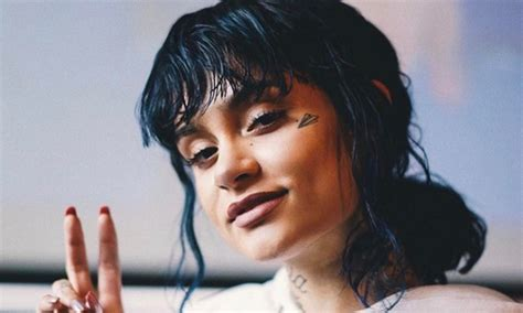 Kehlani Breaks Down On Stage, Tells Crowd She May Need To