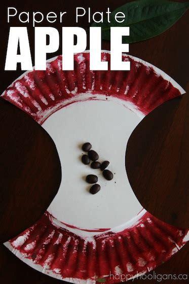 paper plate apple craft for preschoolers happy hooligans 395 | Paper Plate Apple Craft great preschool craft for the Letter A Happy Hooligans