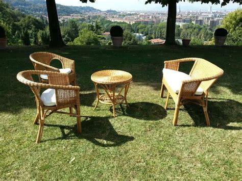 divanetto vimini noleggio divano in vimini per esterni punto noleggio