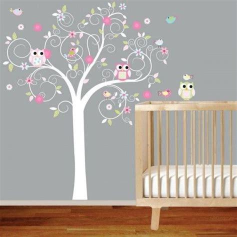 Kinderzimmer Gestalten Wandtattoo by Babyzimmer Gitterbett Grau Wand Baum Wandtattoo Kid S