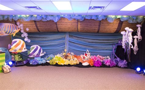 Decorating Ideas For Vbs 2015 by Noah S Ark Decorating Idea For Commotion Vbs 2016
