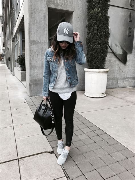 Best 25+ Baseball hat outfits ideas on Pinterest   Baseball cap outfit Hat outfits and White ...