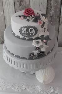 Der letzte Geburtstag mit einer 4 vorn, die erste Doppeldecker Torte cuplovecake