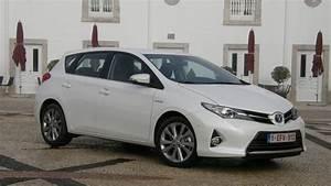 Avis Toyota Auris Hybride : essai vid o toyota auris ii mieux que la golf ~ Gottalentnigeria.com Avis de Voitures