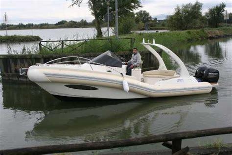 gommoni usati cabinati gommoni cabinati in vendita la cura dello yacht