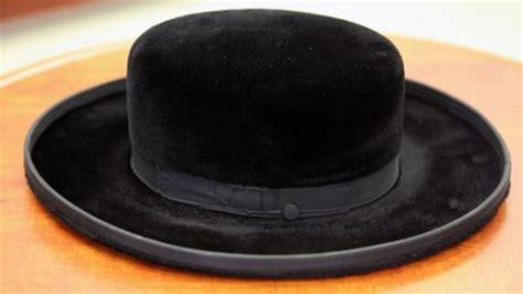 curiosity draws israelis  hasidic jewry exhibition bbc