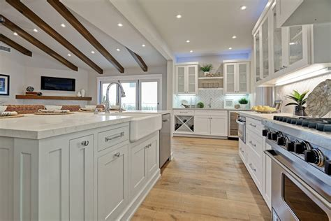 Los Angeles White Carrara Marble Kitchen Beach Style With
