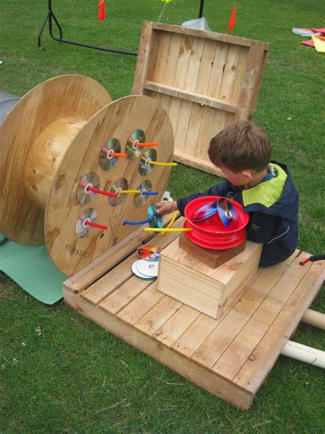 outdoor activities preschool let the children play 20 playful ideas for using pallets 350