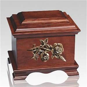 Best Materials For Cremation Urns