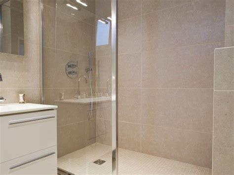 mosaique beige salle de bain 25 best ideas about carrelage beige on carrelage de salle de bains beige salle de