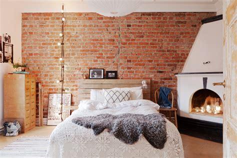 décoration mur chambre à coucher le mur en brique l accent qui apporte de la chaleur au