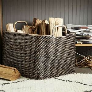 Korb Für Holz : 15 ideen f r modernes kamin zubeh r das auch tolle deko sein k nnte ~ Frokenaadalensverden.com Haus und Dekorationen