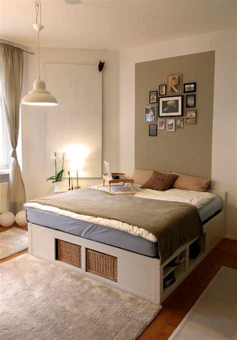 schlafzimmer einrichtungen ideen sch 246 nes schlafzimmer mit doppelbett und gro 223 em teppich