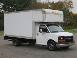Chevrolet Express G3500 Box Truck